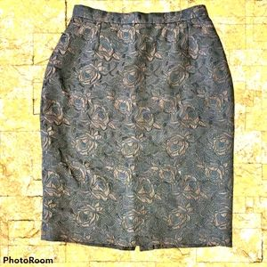 Vintage brown skirt with roses